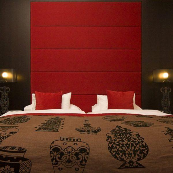 hotel_der_blaue_reiter_karlsruhe_asiajuniorsuite_bett.1024x0
