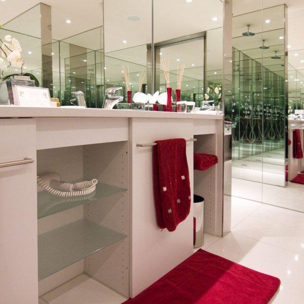 hotel_der_blaue_reiter_karlsruhe_suite_226_bad.1024x0