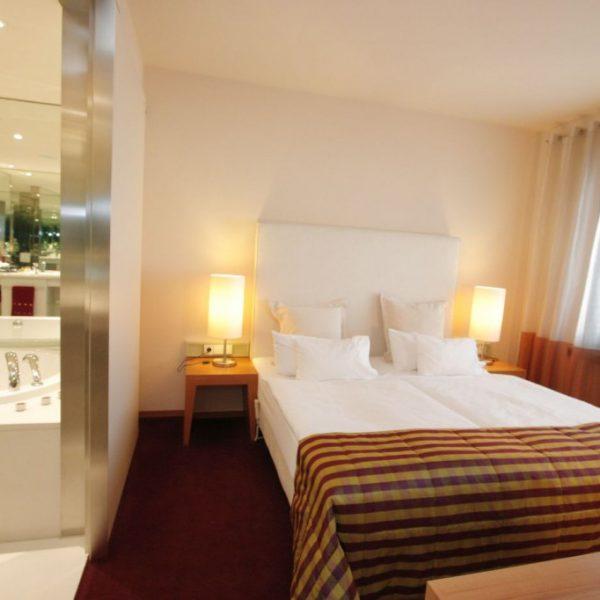 hotel_der_blaue_reiter_karlsruhe_suite_226_schlafraum.1024x0