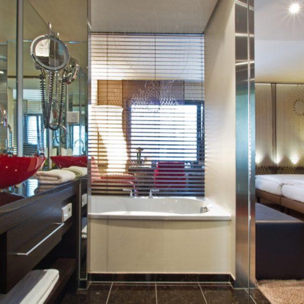 klein_hotel_der_blaue_reiter_karlsruhe_asiajuniorsuite_2.1024x0